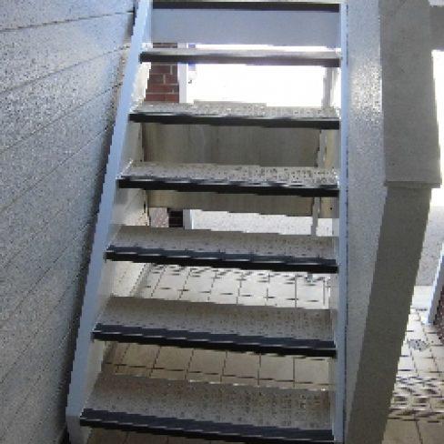 階段改修工事サムネイル